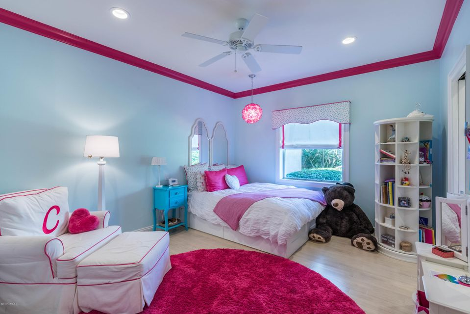 Downstairs Guest Room #2