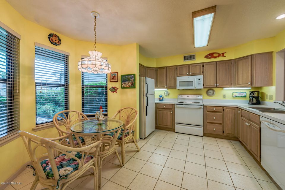 Kitchen with Breakfast Room