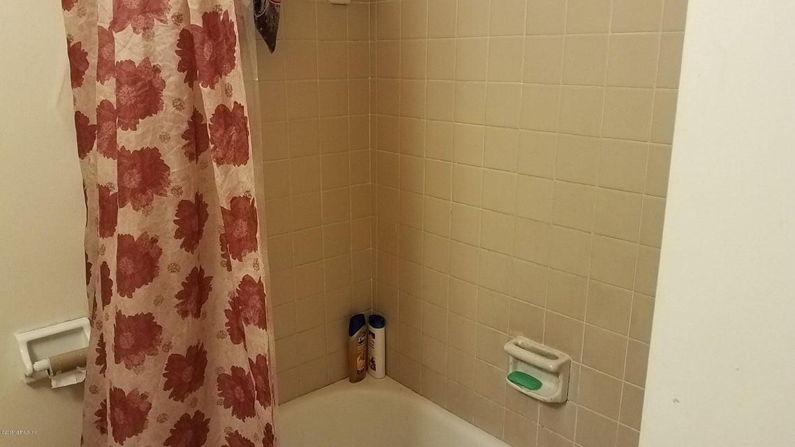 2804 9TH,JACKSONVILLE,FLORIDA 32254,8 Bedrooms Bedrooms,4 BathroomsBathrooms,Commercial,9TH,944377