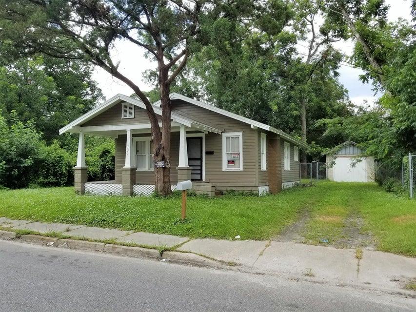 2381 BROADWAY,JACKSONVILLE,FLORIDA 32209,3 Bedrooms Bedrooms,1 BathroomBathrooms,Commercial,BROADWAY,944807