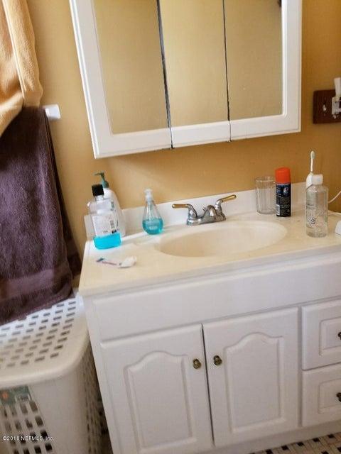 1645 LAURA,JACKSONVILLE,FLORIDA 32206,4 Bedrooms Bedrooms,4 BathroomsBathrooms,Commercial,LAURA,945956