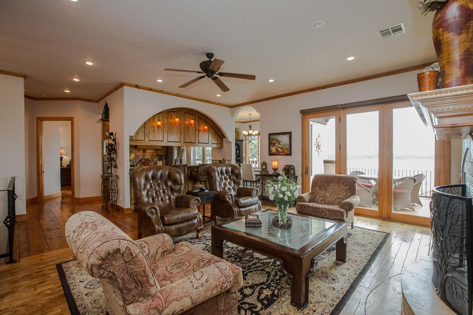 453034 Preakness Dr, Afton, OK 74331 - Living, Kitchen, And Dining