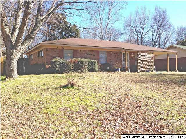 5680 Chickasaw Drive, Horn Lake, MS 38637
