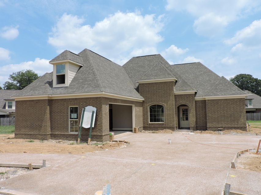 6804 Rebel Grove Cove, Olive Branch, MS 38654