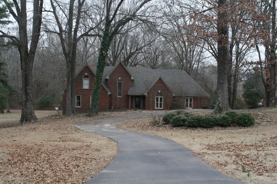 8895 Oak Chase, Walls, MS 38680