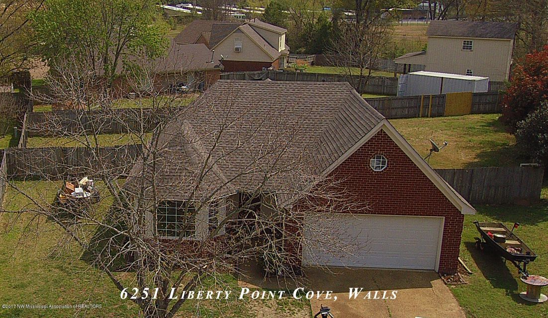 6251 Liberty Point Cove, Walls, MS 38680