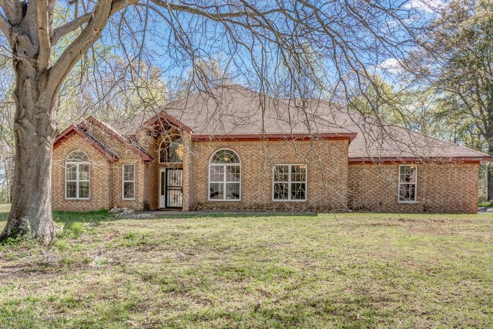 8690 E Cedar Lake Drive, Walls, MS 38680