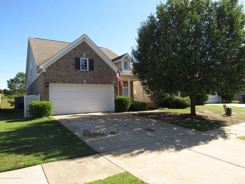 9918 White Poplar Drive, Olive Branch, MS 38654