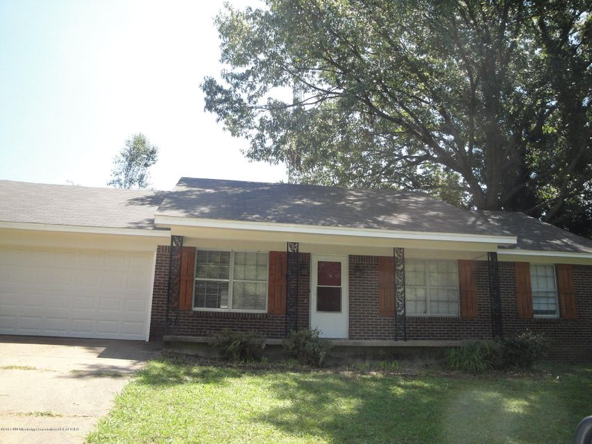8808 CHESTERFIELD Drive, Southaven, MS 38671