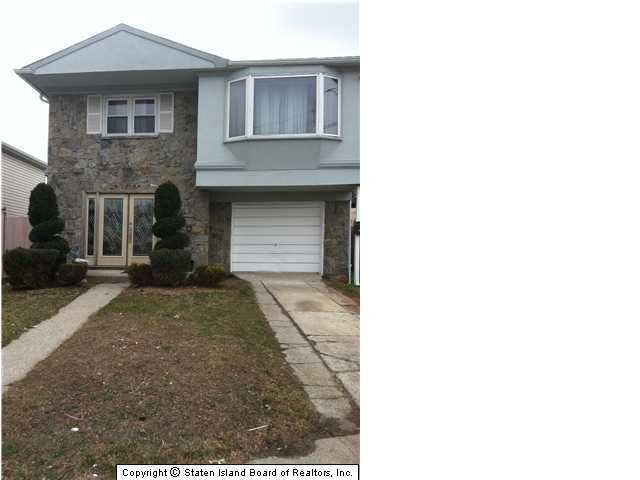 Single Family Home for Sale at 124 Rockville Avenue Staten Island, New York 10314 United States