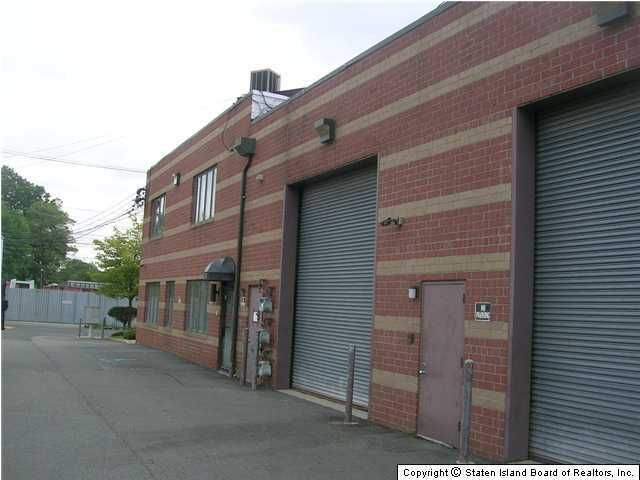 Additional photo for property listing at 178 Industrial Loop  Staten Island, New York 10309 United States