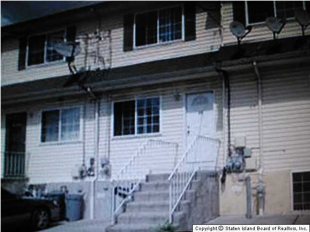 Single Family Home for Sale at 11 Roe Street Staten Island, New York 10310 United States