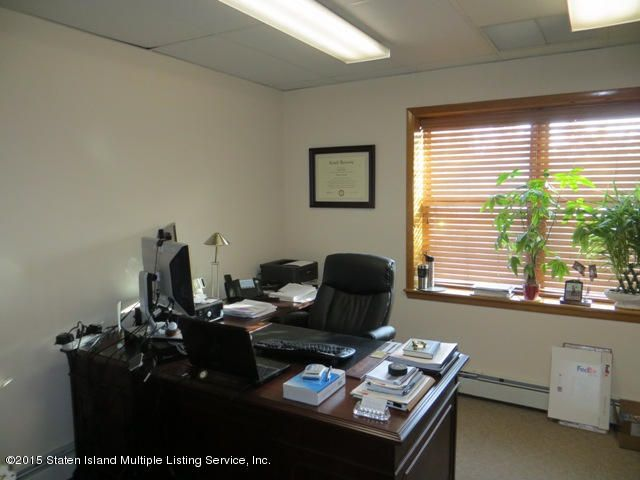 Additional photo for property listing at 3117 Richmond Road  Staten Island, New York 10306 United States