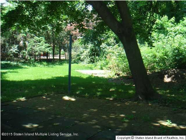 Additional photo for property listing at 66 Dalemere Road  Staten Island, New York 10304 United States