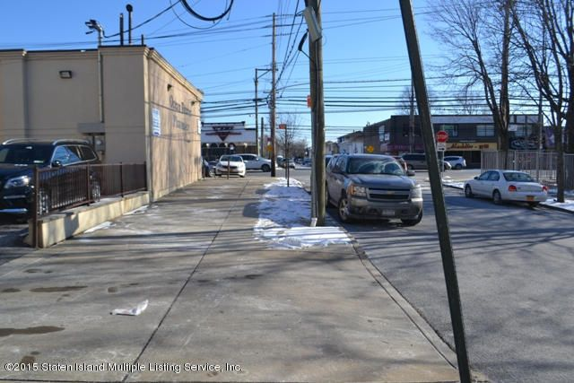 Additional photo for property listing at 235 Dongan Hills Avenue  Staten Island, New York 10305 United States