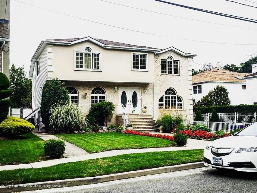 Single Family Home for Sale at 81 Massachusetts Street Staten Island, New York 10307 United States