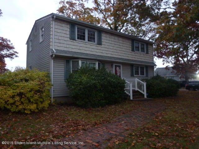 Additional photo for property listing at 850 Summit Drive  Massapequa, New York 11758 United States