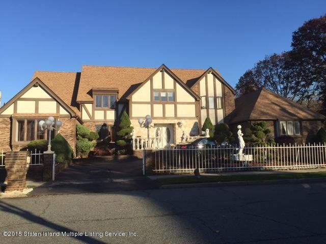 Single Family Home for Sale at 245 Ashland Avenue Staten Island, New York 10309 United States