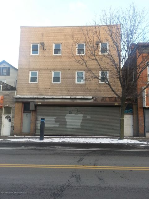 97 Port Richmond Avenue, Staten Island, NY 10302