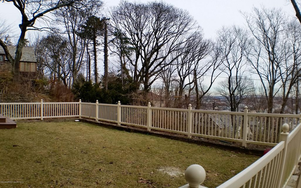 Single Family - Detached 1 Seven Gables Road  Staten Island, NY 10304, MLS-1101578-21