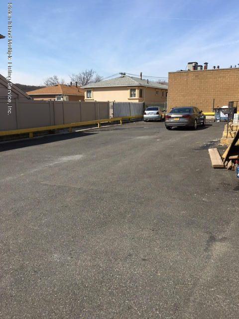 Additional photo for property listing at 1300 Clove Road  Staten Island, New York 10301 United States