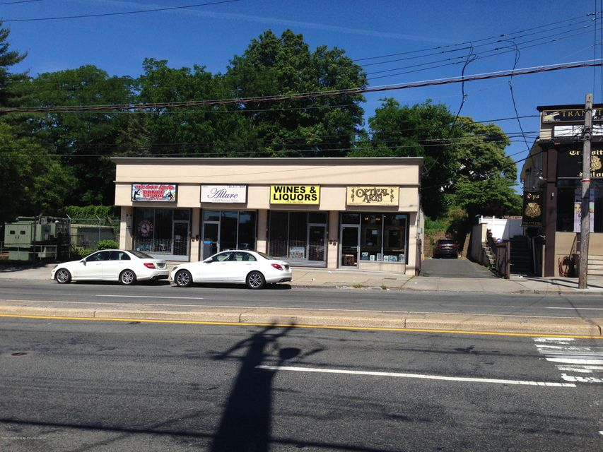Commercial for Sale at 4011 Hylan Boulevard Staten Island, New York 10308 United States