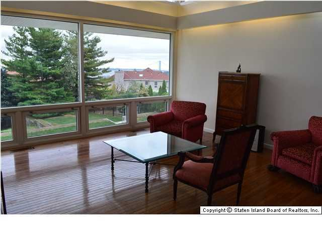 Additional photo for property listing at 157 Howard Avenue  Staten Island, New York 10301 United States