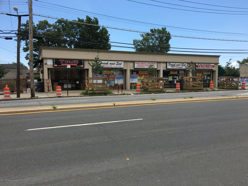 Commercial for Sale at 4060 Hylan Boulevard Staten Island, New York 10308 United States