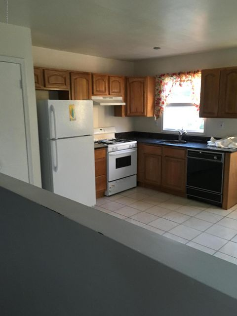 Additional photo for property listing at 2271 Clove Road  Staten Island, New York 10305 United States