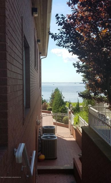 Additional photo for property listing at 70 Nicolosi Drive  Staten Island, New York 10312 United States