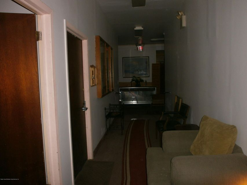 Additional photo for property listing at 190 Cebra Ave  Staten Island, New York 10304 United States