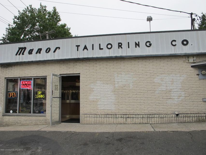 Commercial for Rent at 432 Manor Road Staten Island, 10314 United States