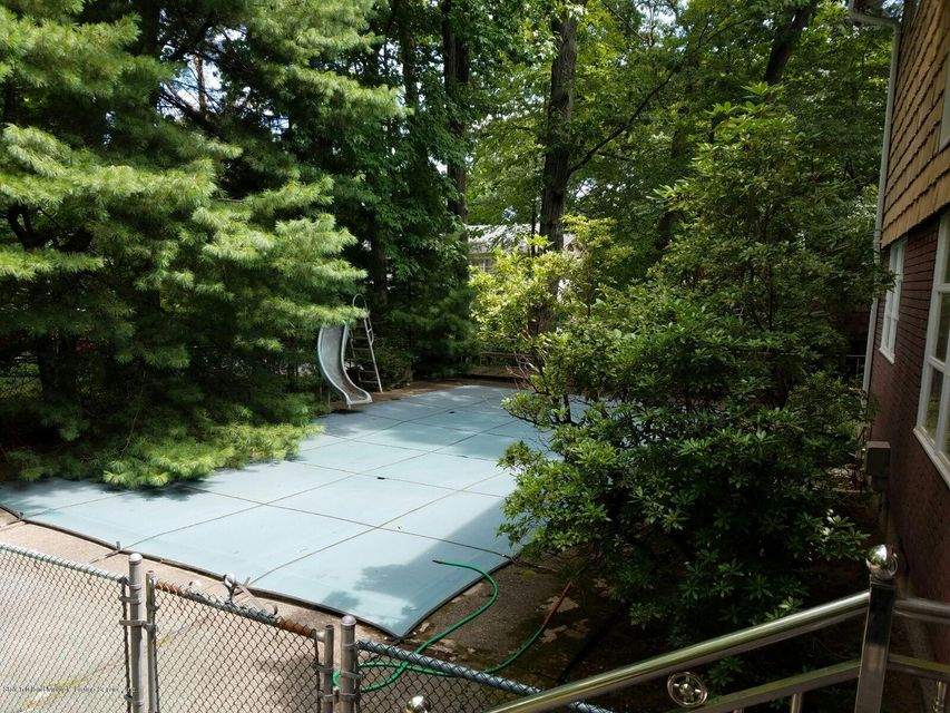 Additional photo for property listing at 99 Merrick Avenue  Staten Island, New York 10304 United States