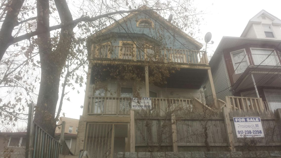 Single Family Home for Sale at 236 Victory Boulevard Staten Island, New York 10301 United States