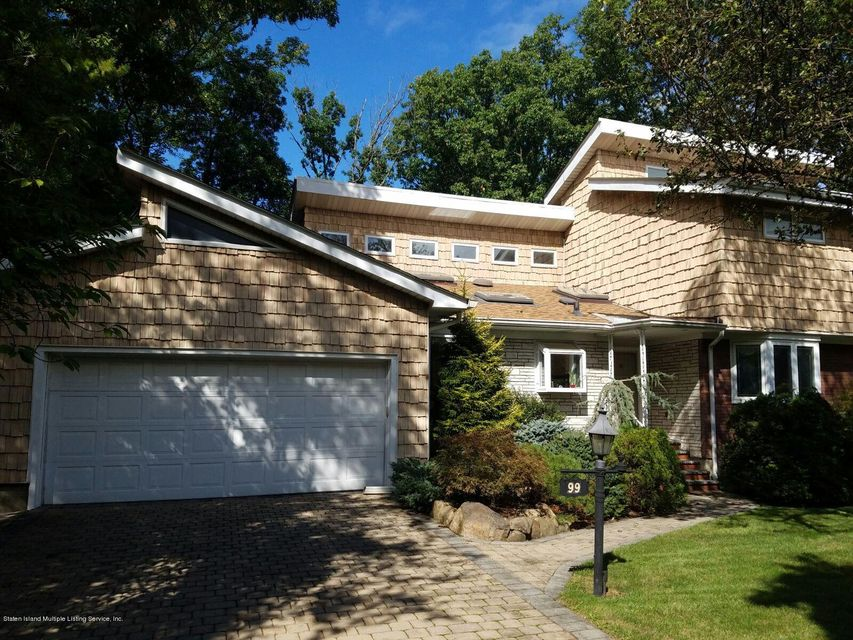 Single Family Home for Sale at 99 Merrick Avenue Staten Island, New York 10304 United States
