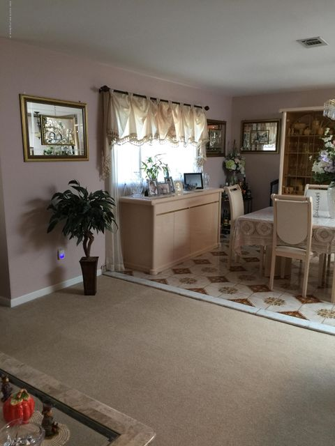 Single Family - Detached 108 Clarke Avenue  Staten Island, NY 10306, MLS-1106455-16