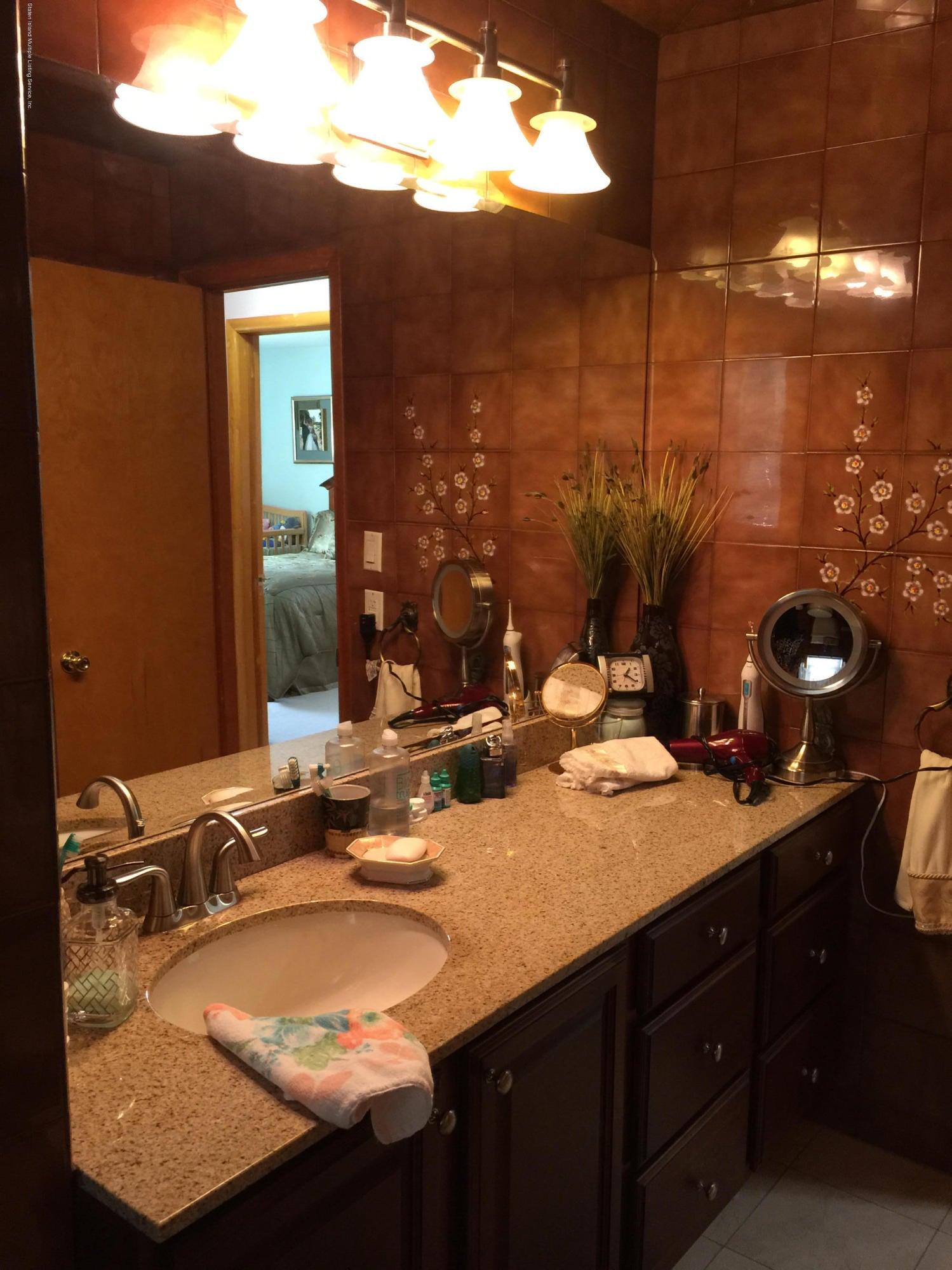 Single Family - Detached 108 Clarke Avenue  Staten Island, NY 10306, MLS-1106455-23