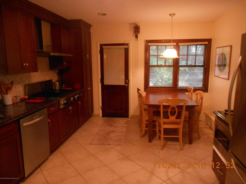 Single Family - Detached 70 Park Lane  Staten Island, NY 10301, MLS-1106611-10