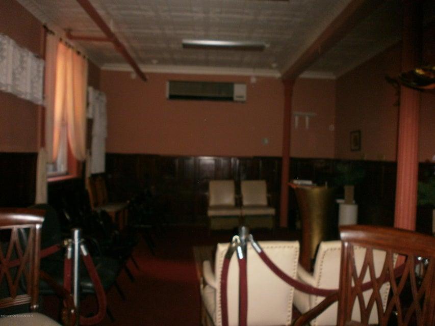 Additional photo for property listing at 190 Cebra Avenue  Staten Island, New York 10304 United States