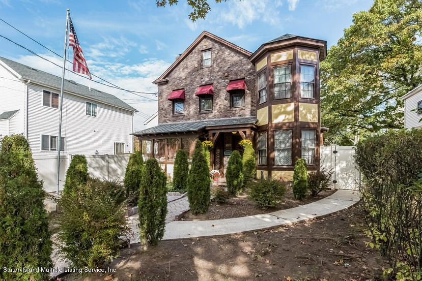 Single Family - Detached in Tottenville - 197 Johnson Avenue  Staten Island, NY 10307