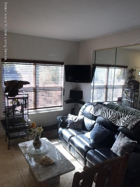 Single Family - Attached 47 Crown Court  Staten Island, NY 10312, MLS-1106780-4