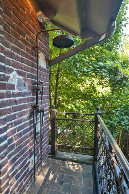 Additional photo for property listing at 125 Benedict Road  Staten Island, New York 10304 United States