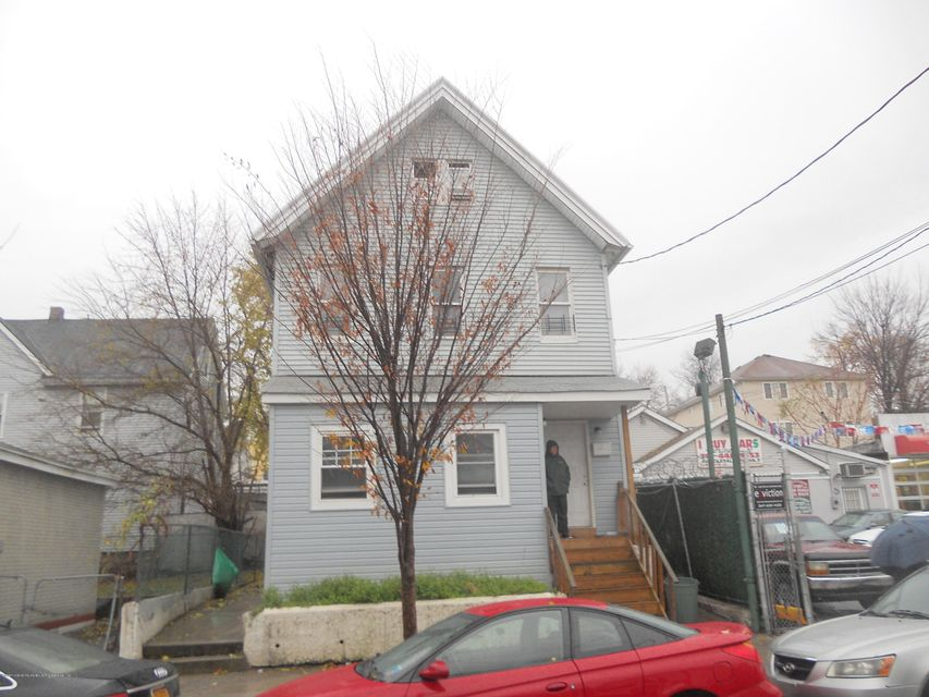 Additional photo for property listing at 688 Henderson Avenue  Staten Island, New York 10310 United States