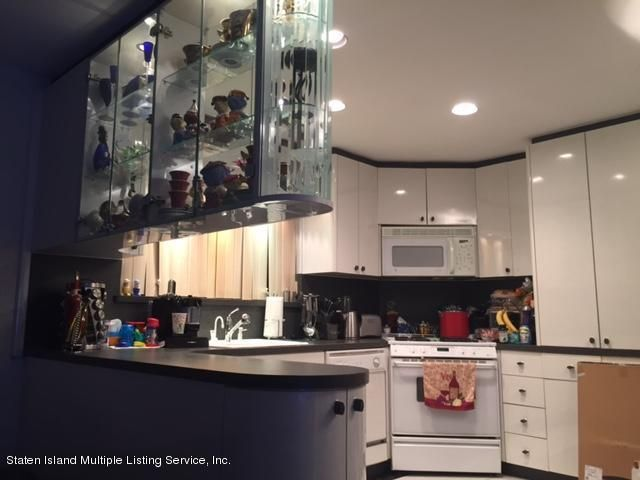 Single Family - Semi-Attached 91 Lewiston Street  Staten Island, NY 10314, MLS-1107261-2