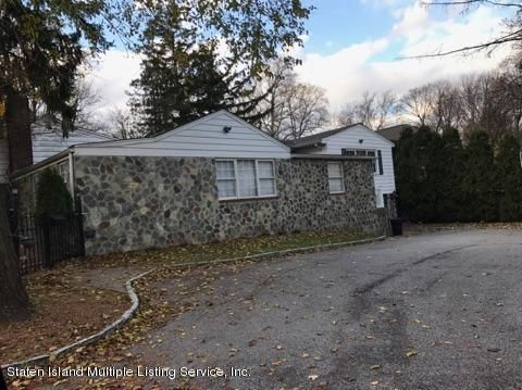 Single Family - Detached 105 Loop Road  Staten Island, NY 10304, MLS-1107265-4