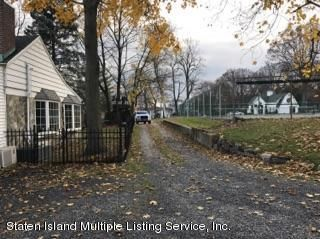 Single Family - Detached 105 Loop Road  Staten Island, NY 10304, MLS-1107265-6