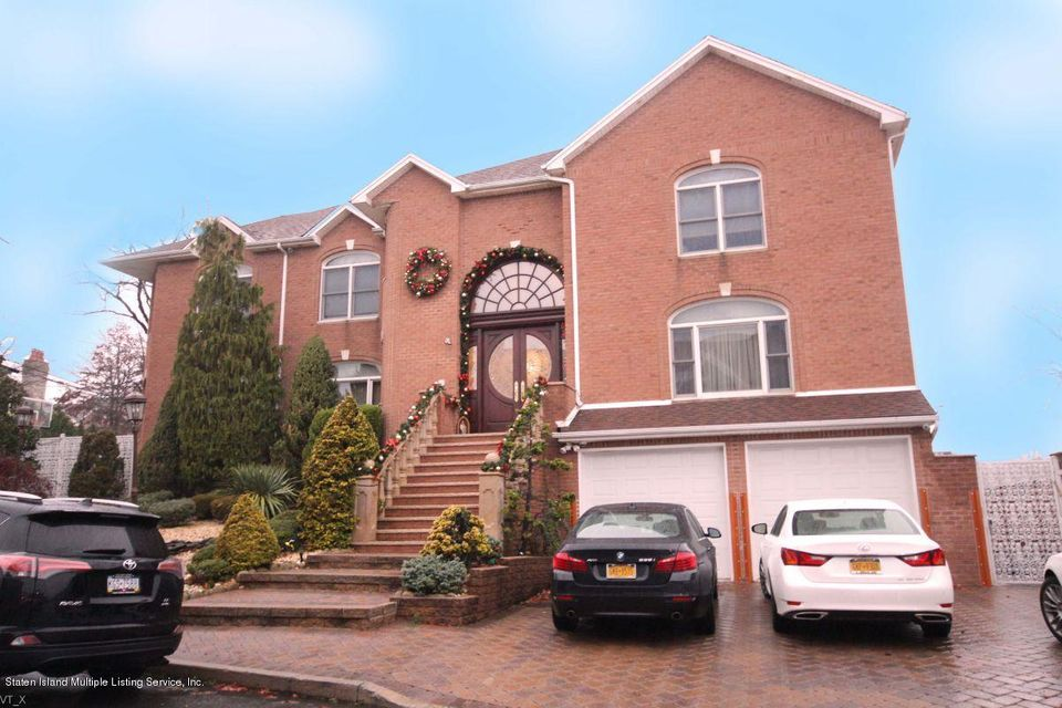 Additional photo for property listing at 165 Nicolosi Dr  Staten Island, New York 10312 United States