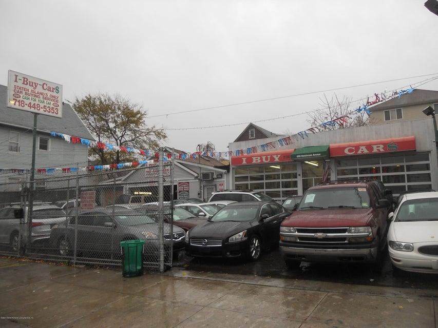 690 Henderson Avenue, Staten Island, NY 10310