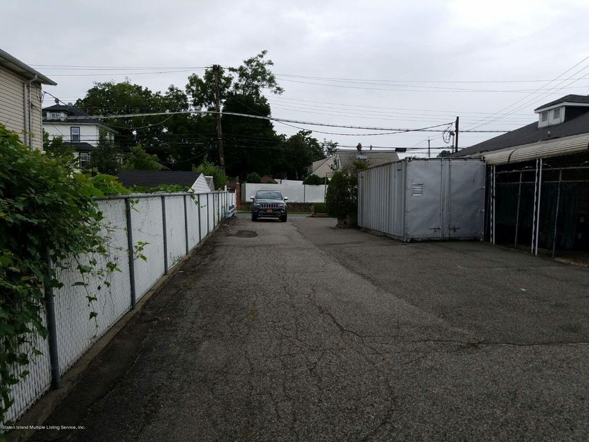 Additional photo for property listing at 651 Targee Street  Staten Island, New York 10304 United States