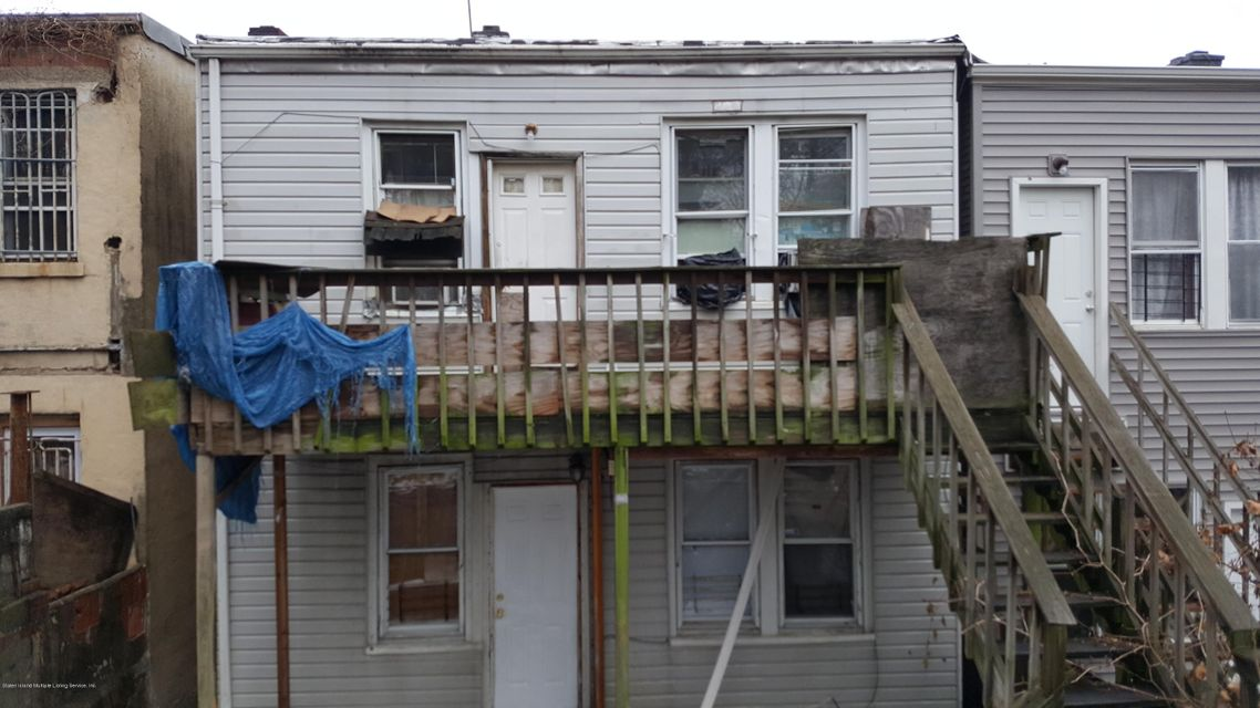 Additional photo for property listing at 24 Stanley Avenue  Staten Island, New York 10301 United States
